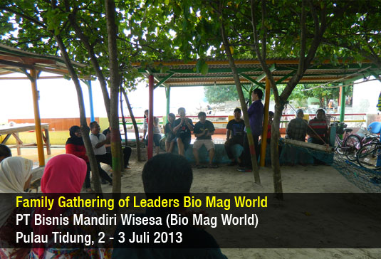 Family Gathering Bio Mag World 2013